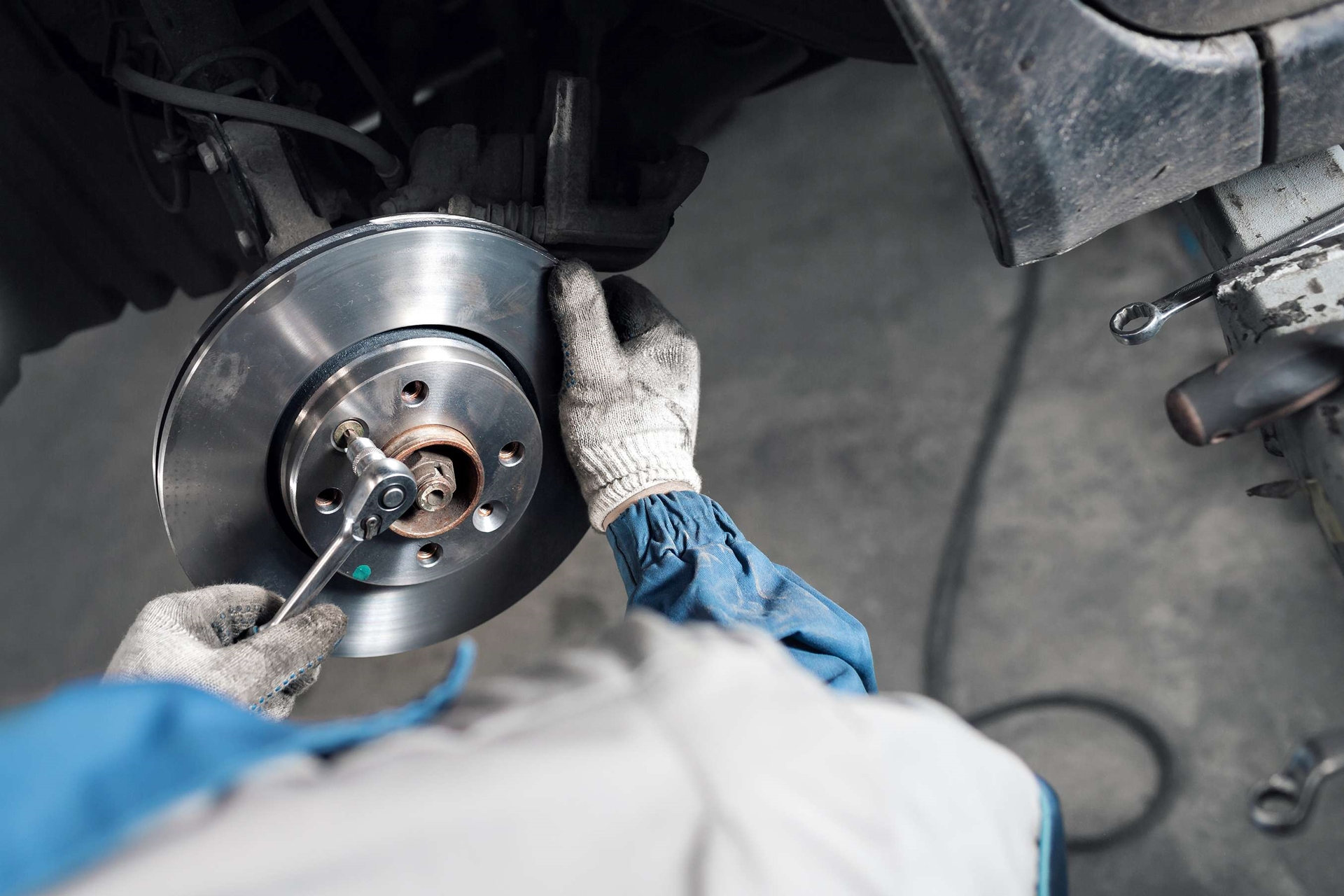 For a LIMITED TIME ONLY - Cars and trucks get 10% off any brake job!